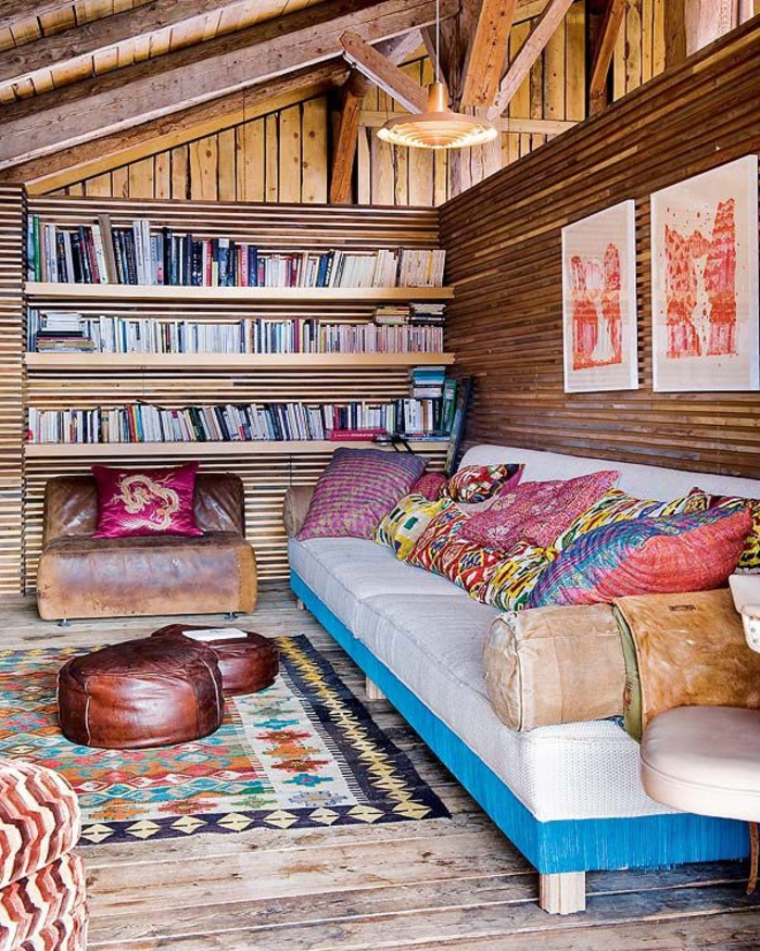 1-chalet-en-bois-habitable-chambre-coloré-salon-en-bois-massif-de-style-rustique-tapis-coloré