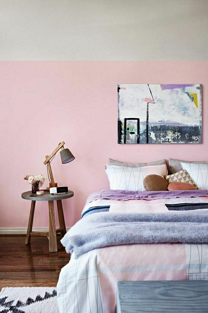 Chambre A Coucher En Bois De Rose : chambre-a-coucher-de-couleur-rose-pale-table-de-chevet-en-bois