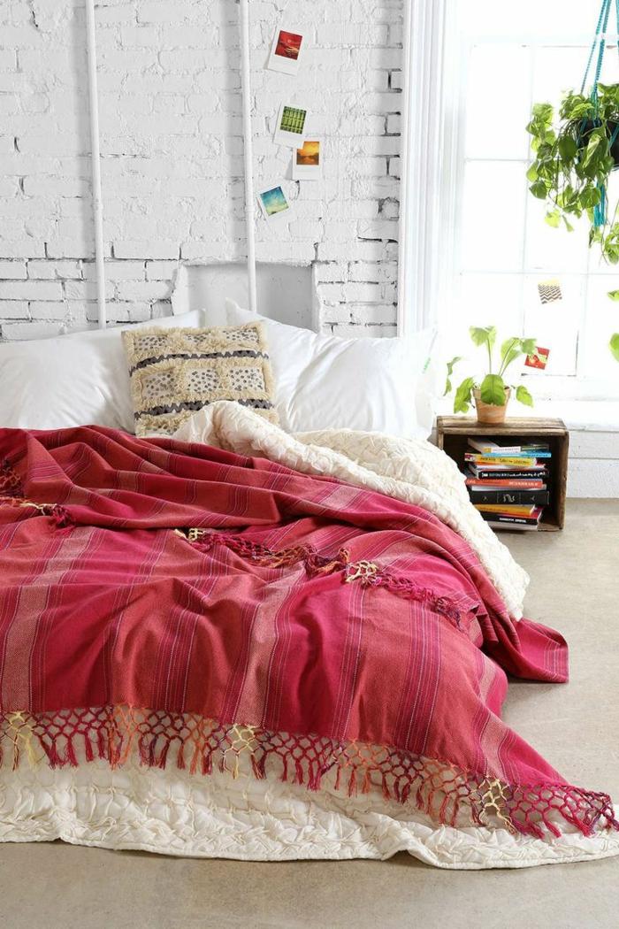 1-couverture-de-lit-de-couleur-bordeau-couleur-carmin-linge-de-lit-coloré