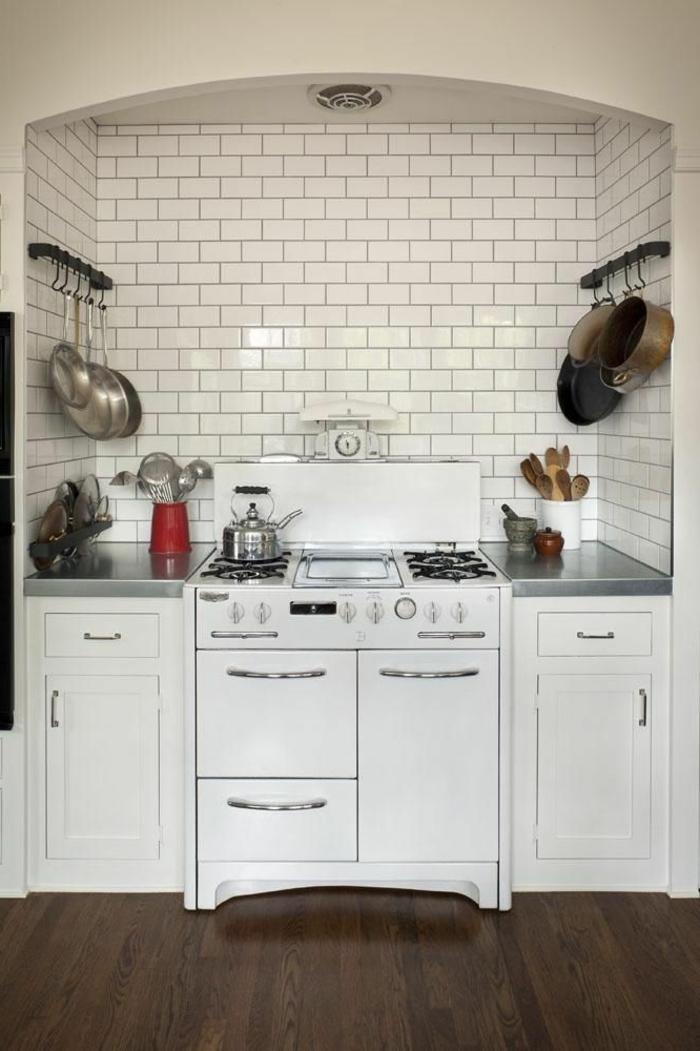 1-cuisine-feng-shui-idée-aménagement-feng-shui-carrelage-blanc-dans-la-cuisine-moderne