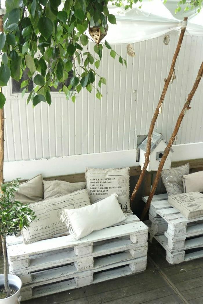 1-fauteuil-en-palette-canape-en-palette-design-original-meuble-en-palette-fabriquer-des-meubles-avec-des-palettes