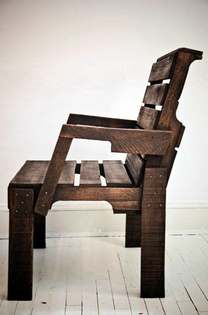 1-fauteuil-en-palette-canape-en-palette-design-original-meuble-en-palette
