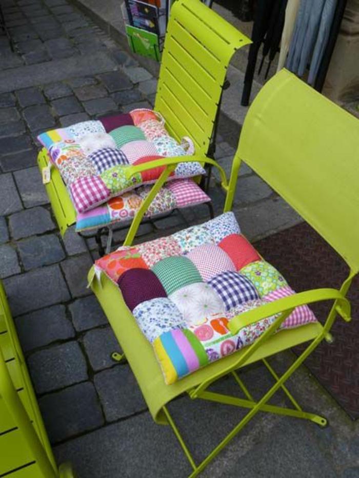 1-galettes-de-chaise-galettes-de-chaises-ikea-galette-de-chaise-déhoussable-chaise-en-fer