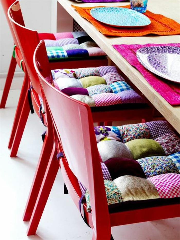 1-galettes-de-chaises-galettes-de-chaise-ikea-galette-de-chaise-coloré-meubles-de-la-cuisine