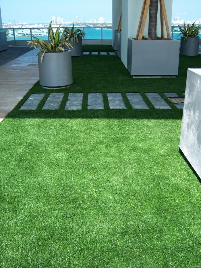 1-gazon-synthètique-balcon-avec-vue-splendide-gazon-synthétique-vert-pelouse-artificielle