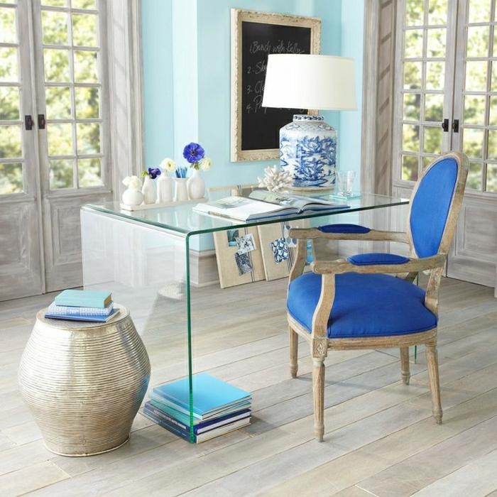 1-joli-bureau-avec-plateau-en-verre-chaise-bleue-lampe-de-bureau-chaise-de-bureau-bleu