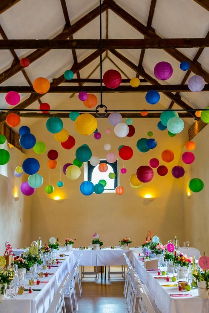 1-jolie-decoration-avec-boules-chinoises-suspension-luminaire-décoration-colorée
