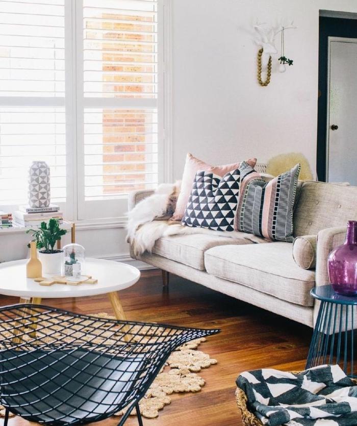1-jolie-table-basse-ronde-petite-table-basse-pour-le-salon-sol-parquet-tapis