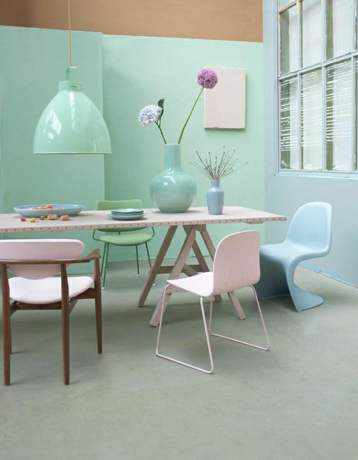 1-la-plus-belle-cuisine-de-couleur-pastel-bleu-pale-fleurs-sur-la-table-mur-bleu-ciel-turquoise