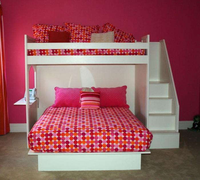 1-lit-pliant-design-chambre-d-enfant-lit-pliant-bébé-murs-roses-sol-en-lino