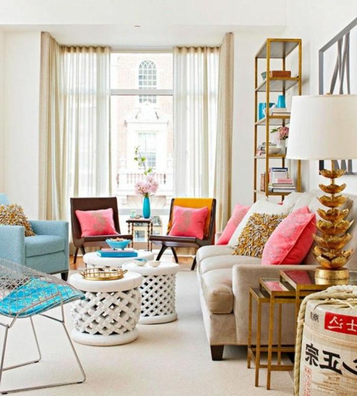 1-maison-feng-shui-chambre-feng-shui-canapé-beige-coussins-colorés-tapis-beige