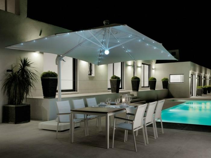 1-parasol-rectangulaire-de-couleur-blanc-meubles-de-jardin-maison-de-luxe-avec-piscine