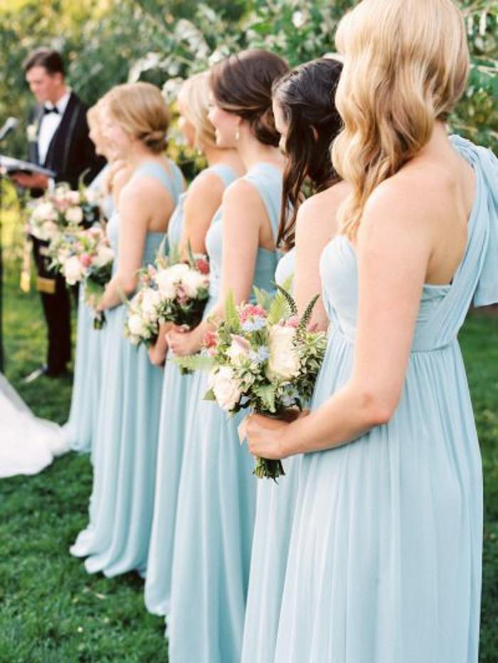1-robe-bleue-marine-porter-pour-un-mariage-fleurs-filles-avec-robes-bleues-marines