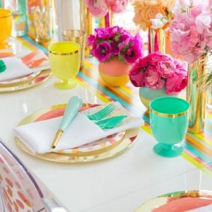 Le set de table jetable est la meilleure idée pour décorer la table!