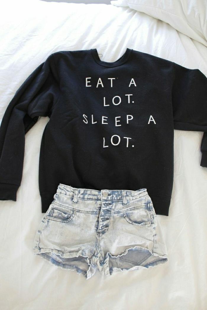 1-t-shirt-personnalisé-de-couleur-noir-pour-femme-idée-originale-jeans-courts