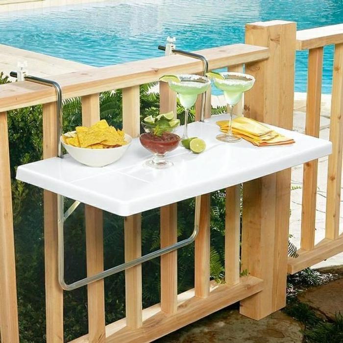 1-table-rabattable-blanche-set-de-table-piscine-cour-de-luxe-verture