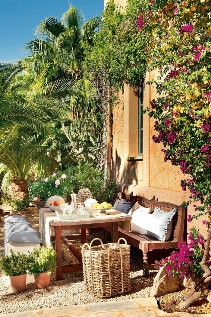 Table de jardin bois rustique des id es for Table carrelee jardin