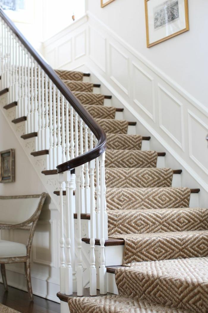 1-tapis-escalier-en-bois-tapis-beige-moquette-d-escalier-tapis-d-escalier-beige