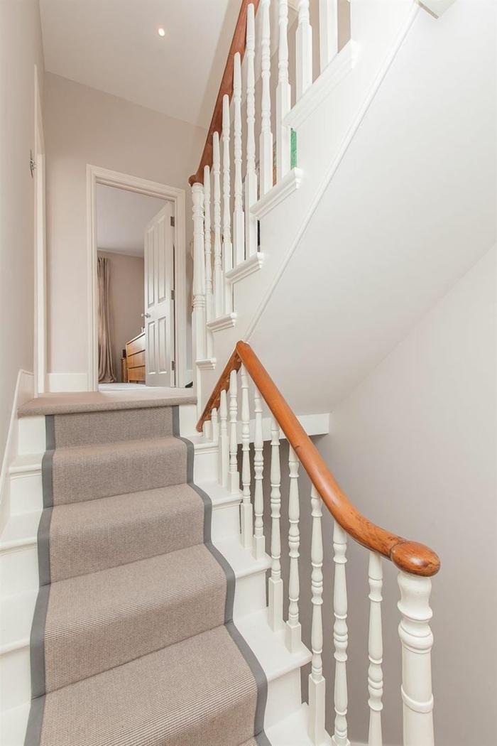 1-tapis-gris-pour-escalier-moquette-escaier-saint-maclou-tapis-gris-moquette-pour-escalier