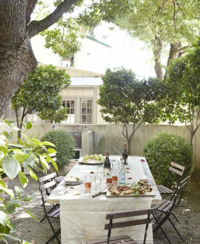 Emejing Comment Nettoyer Une Table De Jardin Blanche Images ...