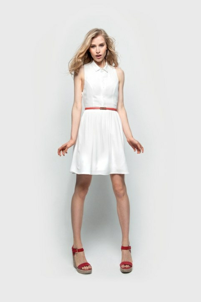 1-une-belle-robe-blanche-chemise-femme-blonde-mode-cheveux-mi-longs