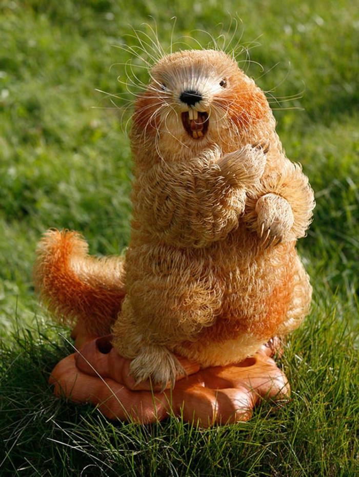 Animal-sculpture-sur-bois-chips-idée-créative