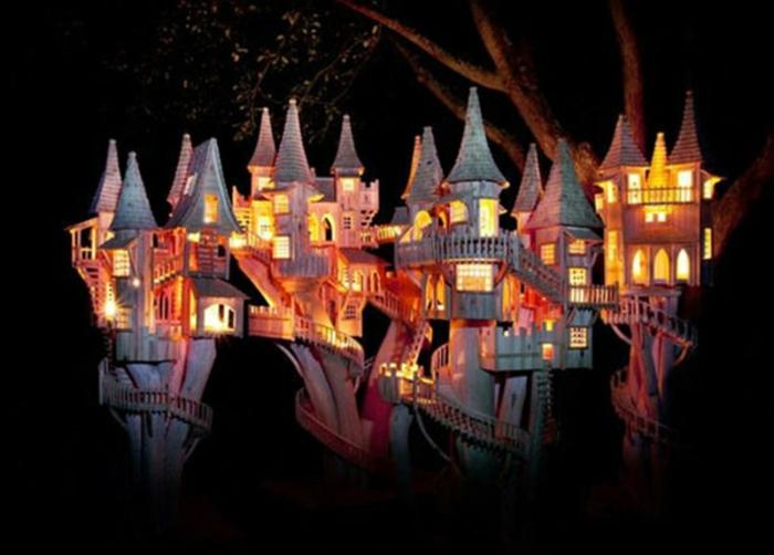 Bough-Houses-de-Rob-Heard-nuit-photo-sculpture-sur-bois