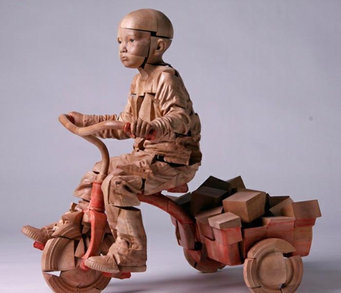Building-Blocks-une-sculpture-sur-bois-de-Efraim-Rodriguez-Cobos