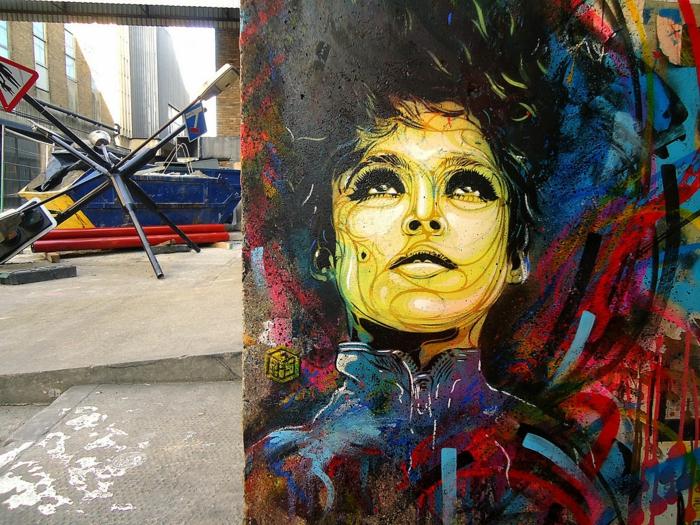 Chef-d-oeuvre-sur-la-rue-C215-portrait-femme-cheveux