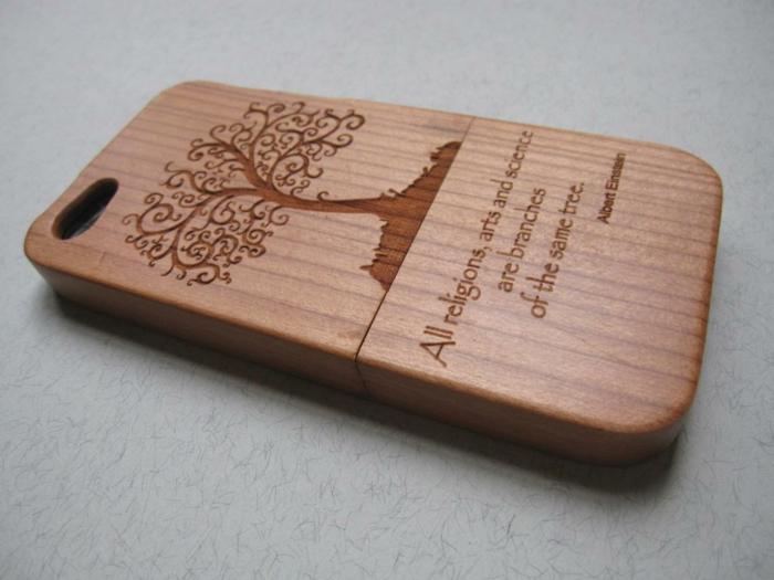 Coque-iphone-5s-personnalisée-en-bois