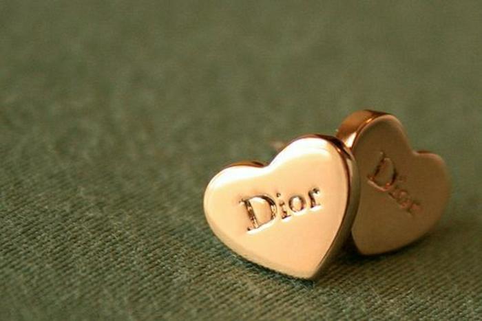 Dior-boucle-d-oreille-femme-boucle-d-oreille-dior-coeur-dorée