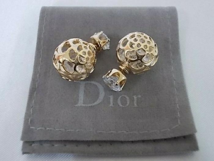 Dior-boucle-d-oreille-femme-boucles-d-oreilles-cristaux-et-or