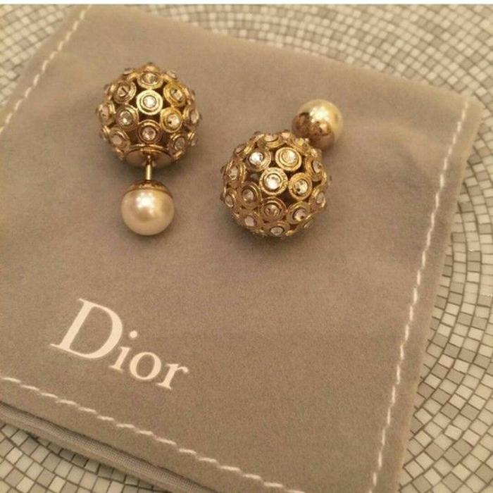 Dior-boucle-d-oreille-femme-boucles-d-oreilles-or-dorées