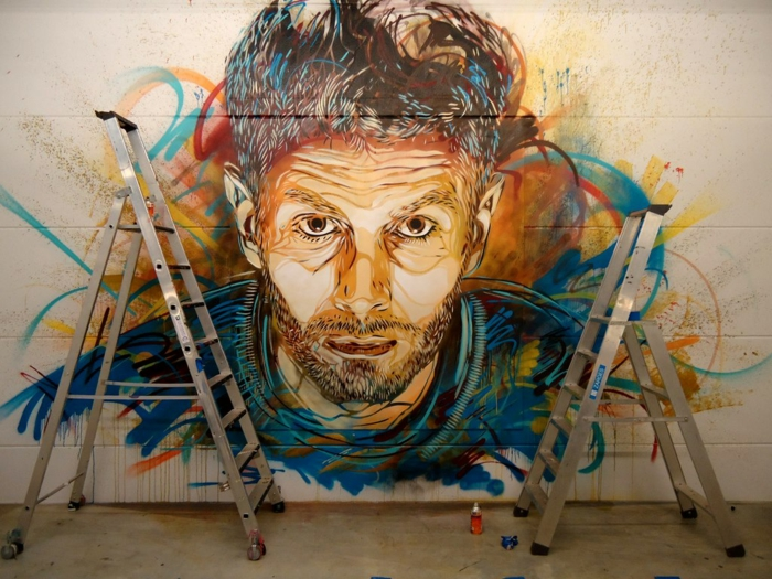 Graffiti-technique-pochoir-street-art-C215-portrait-artiste-autoportrait