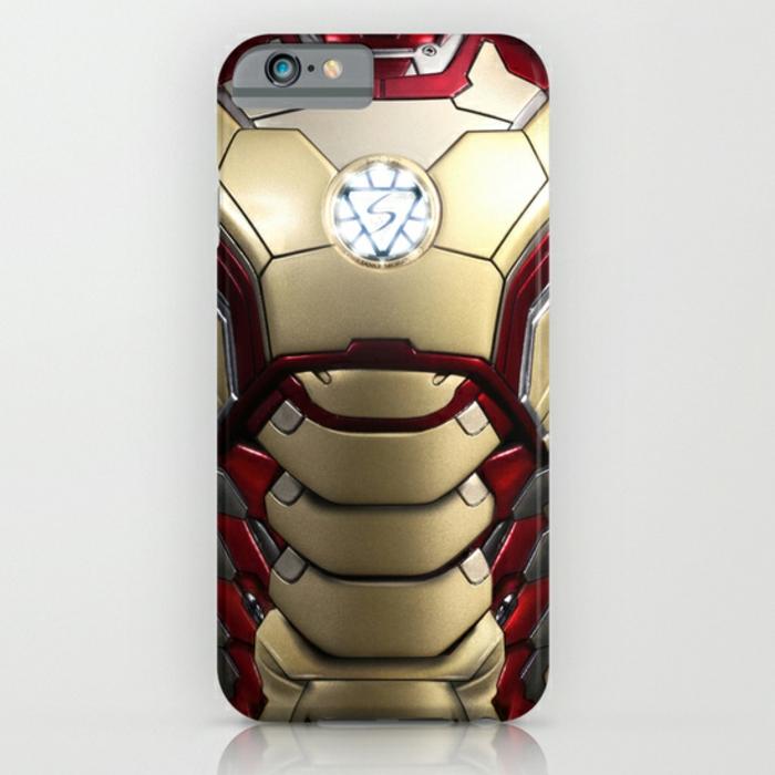 Idée-cadeau-geek-coque-iphone-marvel