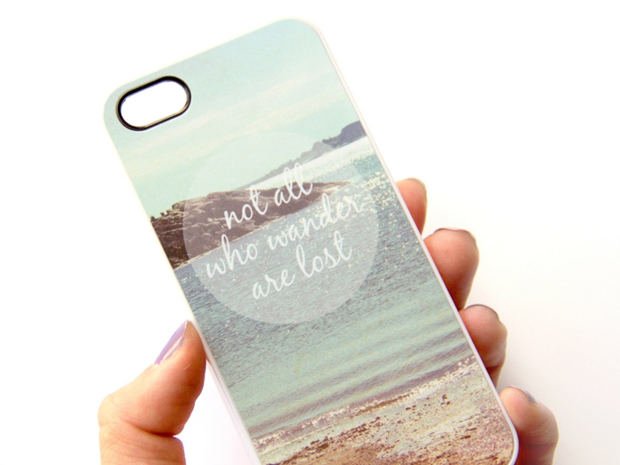 Idée-créative-pour-le-coque-iphone-not-all-who-wander-are-lost