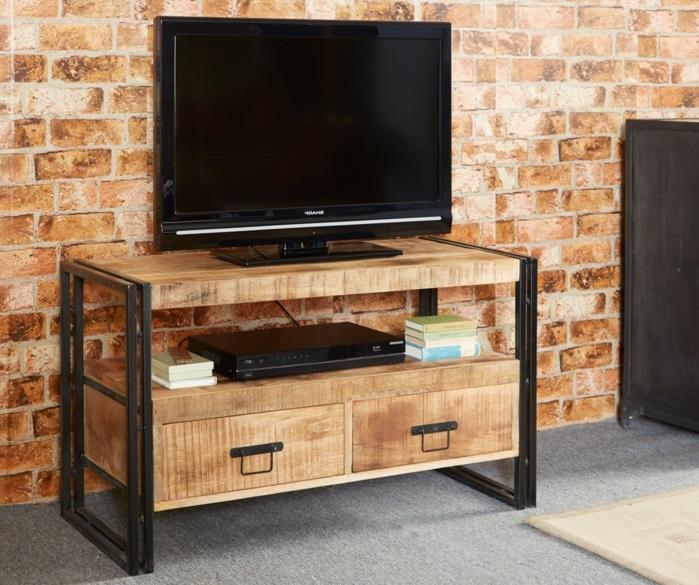 Le-meuble-tv-style-industriel-salle-de-séjour-mur-briques-fausses-meuble-bois