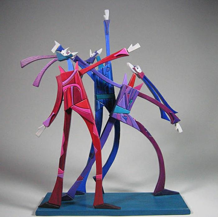 Moveable-Sculpture-by-Werner-Arnold-Jolie-sculpture-sur-bois-coloré