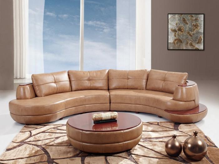 Salle-de-séjour-couleur-beige-déco-sofa-ronde-canapé-en-cuir-beige