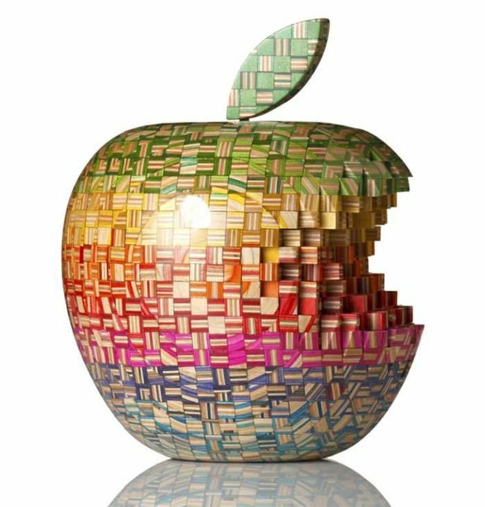 Skateboard-Art-by-Haroshi-la-pomme-de-apple