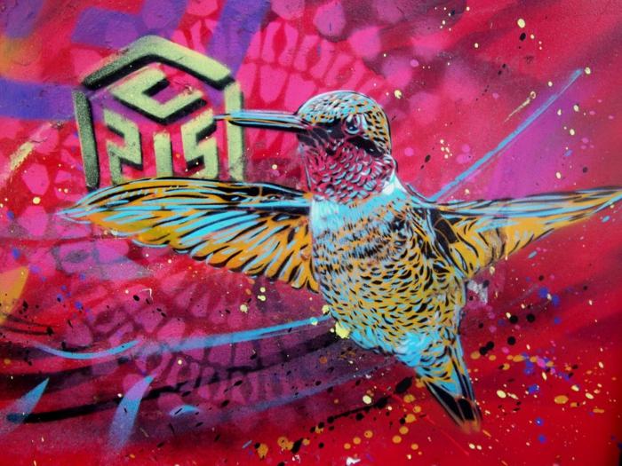 Street-art-paris-artiste-célébre-graffiti-an-oiseau