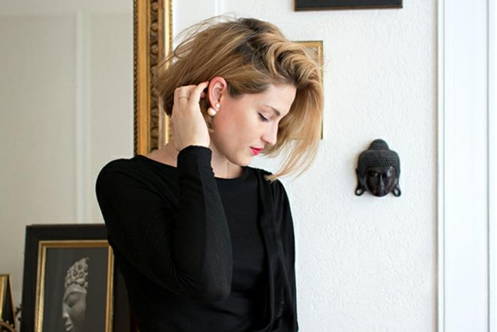 accessoires-bijou-boucle-d-oreille-dior-femme-robe-noir