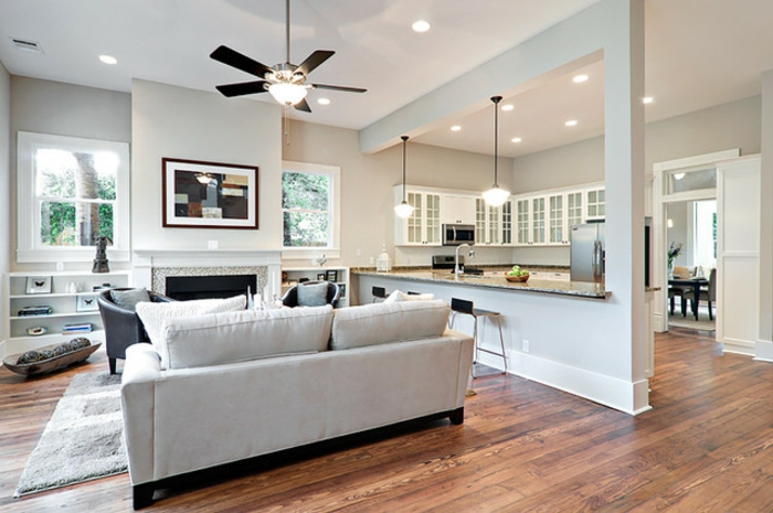 aménagement-de-cuisine-ouverte-intérieur-en-couleurs-claires