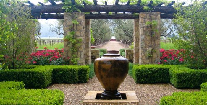 arbuste-de-haie-fleurie-extérieur-paysage-vert-vase-antique