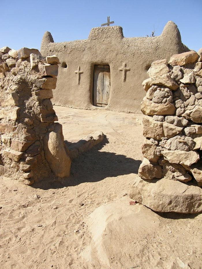 architecture-vernaculaire-église-en-boue