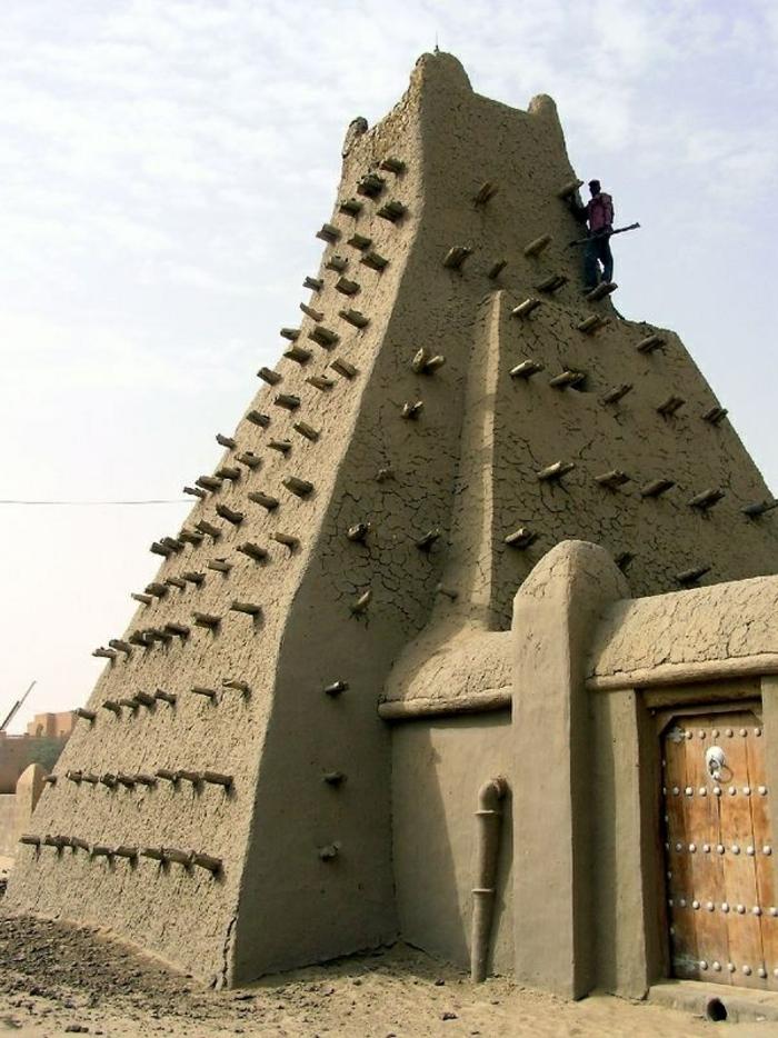 architecture-vernaculaire-bâtiment-typique-pou-certaines-regions