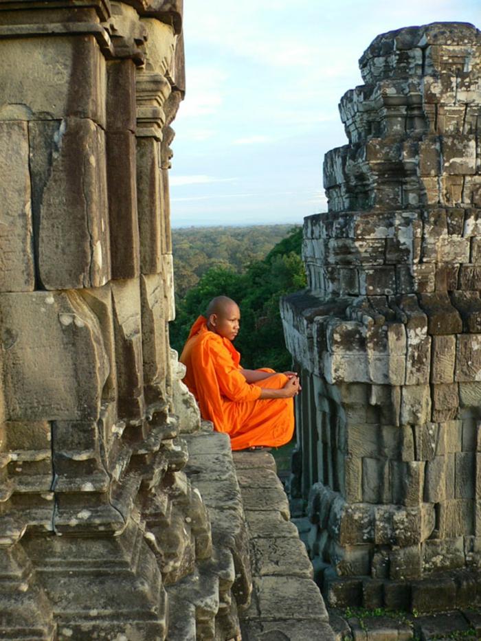 architecture-vernaculaire-angkor-blocs-de-pierre