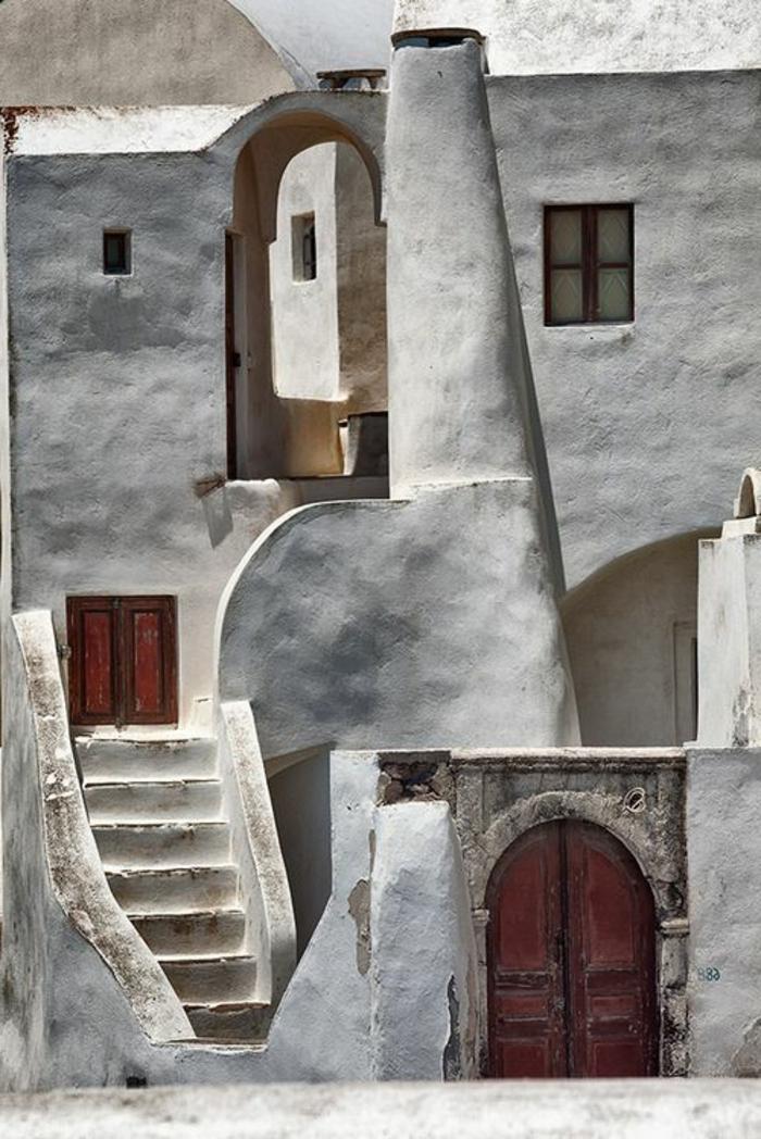 architecture-vernaculaire-bâtiment-traditionnel-à-Santorine