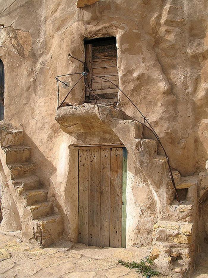 architecture-vernaculaire-en-pierre-maison-ancienne
