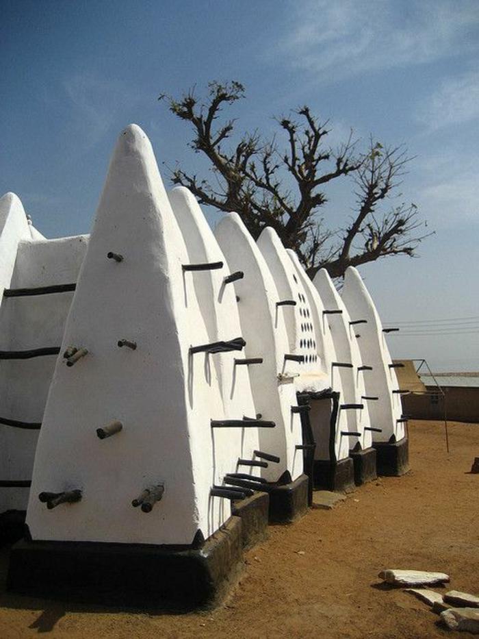 architecture-vernaculaire-gîtes-traditionnels-peints-blancs